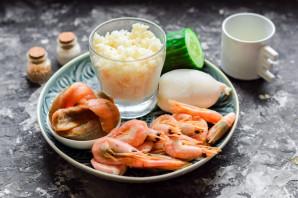 Салат с рисом и морепродуктами - фото шаг 1