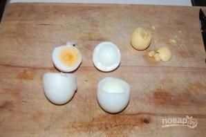Фаршированные яйца на Пасху - фото шаг 2