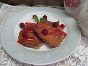 Ореховые оладьи с малиновым соусом  - фото шаг 9