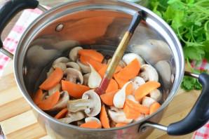 Маринованные грибы с морковью - фото шаг 6