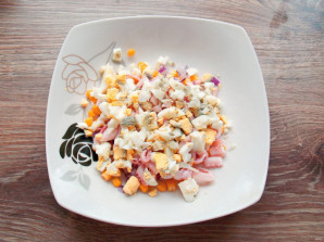 Салат с щупальцами кальмара - фото шаг 6