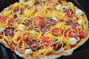 Пицца на пельменном тесте - фото шаг 6