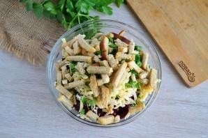 Салат с фасолью, грибами и сухариками - фото шаг 6