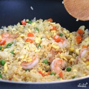 Рис с жареными креветками по-китайски - фото шаг 13