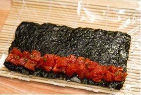 Суши с тунцом - фото шаг 5