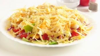 Мужской салат с сыром по-каталонски - фото шаг 6