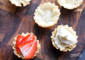 Тарталетки с сыром и клубникой - фото шаг 3