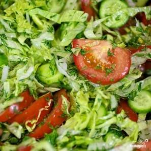 Салат из огурцов и помидоров - фото шаг 6