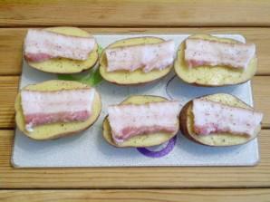 Картошка с салом и чесноком в духовке - фото шаг 6