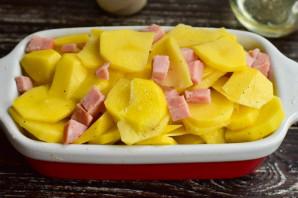 Картошка с карбонатом в духовке - фото шаг 5
