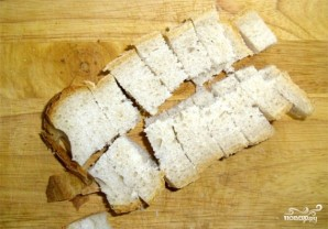 Гренки с чесноком в духовке - фото шаг 3