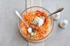 Салат с морковью и кукурузой - фото шаг 4
