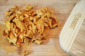 Лисички с баклажанами жареные - фото шаг 6