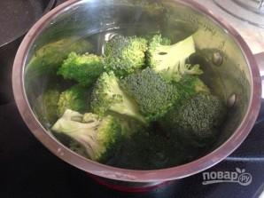 Салат из брокколи с вяленой клюквой - фото шаг 3