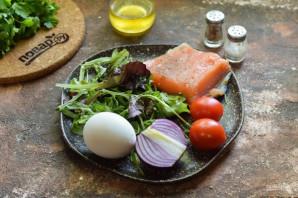 Салат с лососем и яйцом пашот - фото шаг 1