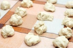 Печеные пирожки с курицей - фото шаг 2