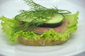 Бутерброды с зеленым салатом - фото шаг 6
