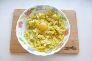 Жареные картофельные пирожки с квашеной капустой - фото шаг 8