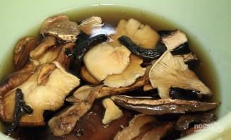 Картофельные драники с грибами - фото шаг 1