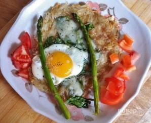 Запечённое яйцо с картофелем и шпинатом - фото шаг 7