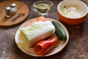 Салат с китайской капустой и курицей