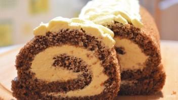 Шикарный бисквит для рулетов - фото шаг 11