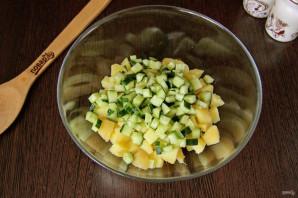 Салат из рыбных консервов с огурцом - фото шаг 3