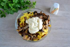 Салат с яичными блинчиками и шампиньонами - фото шаг 10