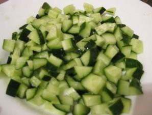 Салат с колбасой полукопченой - фото шаг 4