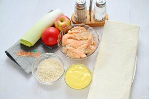 Рыбный салат в съедобных тарелочках - фото шаг 1