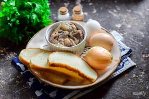 """Салат """"Одуванчик"""" с рыбными консервами - фото шаг 1"""