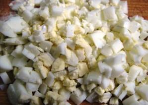 Простой салат из печени трески - фото шаг 3