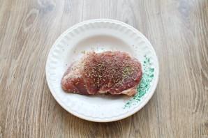 Мясо запеченное с фруктами - фото шаг 2