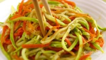 Салат из кабачков по-корейски - фото шаг 3
