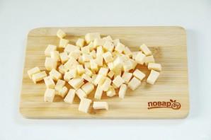 Куриный рулет с сыром и томатами - фото шаг 4