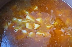 Венгерский суп-гуляш в хлебе - фото шаг 4