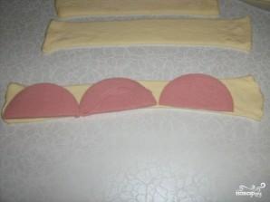 Слоеные завитушки с колбасой - фото шаг 1