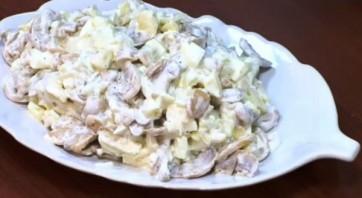 Салат с грибами, картофелем и огурцами - фото шаг 5