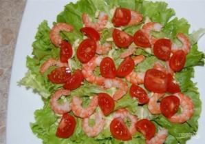 Салат с креветками и помидором - фото шаг 12