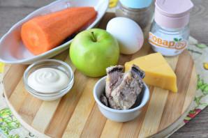 Салат с сайрой и яблоком - фото шаг 1