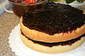 Пирог с ягодным джемом - фото шаг 2