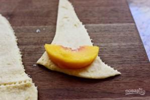 Рогалики с персиком - фото шаг 1