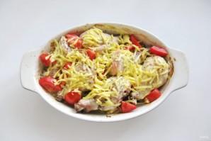 Куриные голени с картофелем и луком в духовке - фото шаг 7