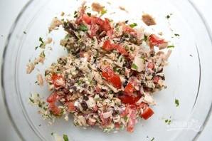 Макароны с тунцом и томатами - фото шаг 1