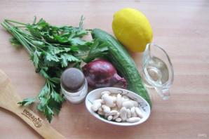 Салат с фасолью и огурцами - фото шаг 1
