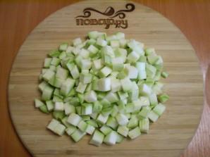 Кабачки, тушеные с овощами - фото шаг 2