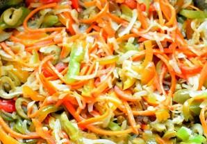 Рулеты из хека на овощной подушке - фото шаг 2
