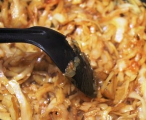 Капустная солянка с грибами - фото шаг 4