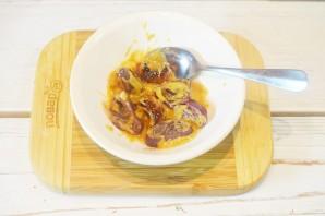 Салат с луком и голубым сыром - фото шаг 4