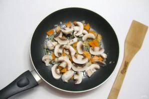 Грибной суп с клецками - фото шаг 6